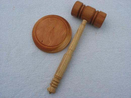 court-hammer-wikimedia-commons