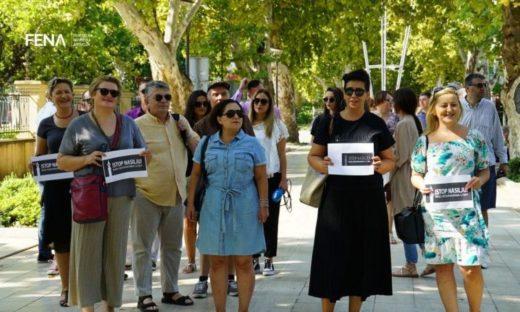 protest_novinara_mostar_avgust2018_fena