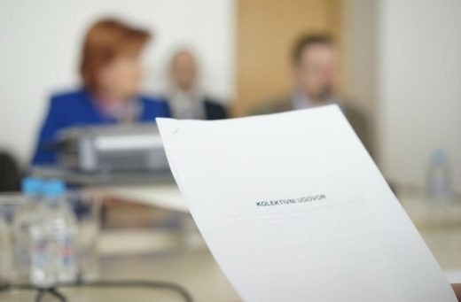 potipisivanje-kolektivnog-ugovora-o-zdravstvu2